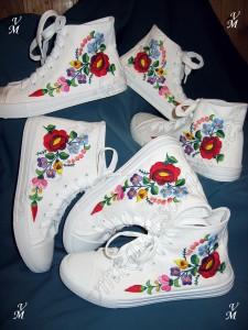 Erikáék kalocsai cipői