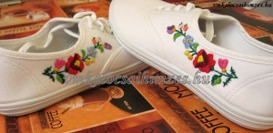 Brigi kalocsai cipő