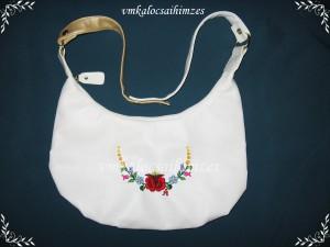 Fehér táska kalocsai