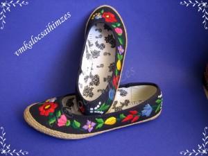 K. Viktória fekete kalocsai balerina cipő
