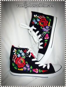 S. Eszter kalocsai cipő
