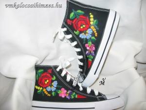b848cad5d5 K. Bernadett kalocsai cipő