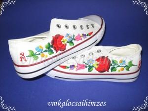 Linda Suminová kalocsai cipő