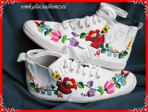 S. M. Mónika cipő