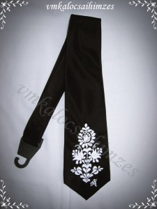 Gy. Zs. vőlegény kalocsai nyakkendő