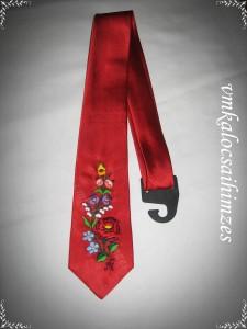 Oroszi K. piros nyakkendő