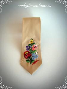 P. Beatrix kalocsai nyakkendő