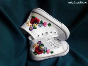 Baba kalocsai cipő 22-es